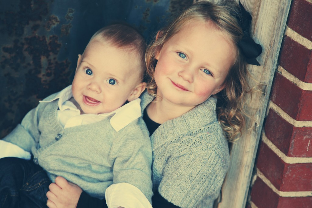sibling photo ideas, sister and brother photo ideas, photography ideas for kids, kids pictures