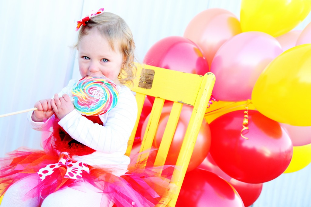 kids photo ideas, birthday photo idea, lollipop photo