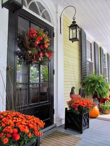 Mohawk - Homescapes - Porch - Fall - Decor - Home - Design - http://antiquenehomes.blogspot.com/