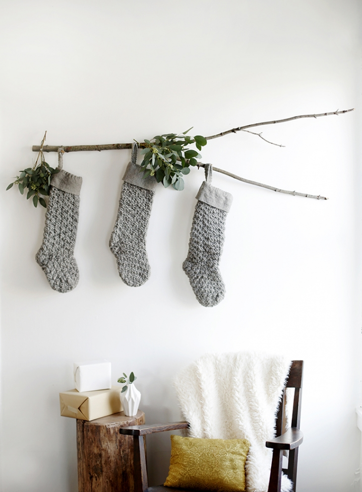 Awe Inspiring Mantleless Stocking Displays Mohawk Home Download Free Architecture Designs Scobabritishbridgeorg