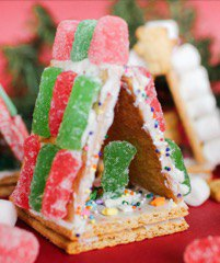 kid-friendly crafts winter break - Mohawk Home - Graham cracker houses - The Newlywed Pilgrimage Blog