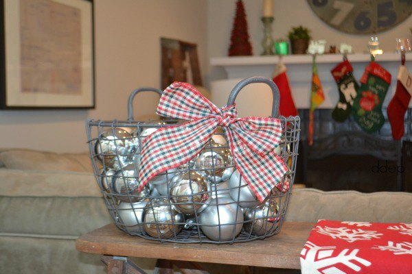 Small and Merry Holiday Decor for Every Nook and Cranny | Karen Cooper | Dogs Don't Eat Pizza | Mohawk Homescapes