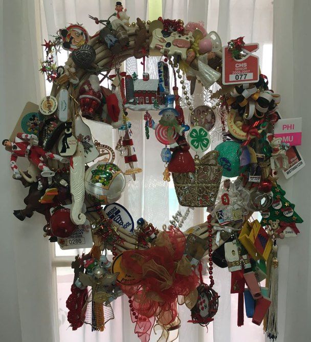 Mohawk Home, Memory wreath, Christmas wreath, how to, DIY, decorating, holiday family traditions