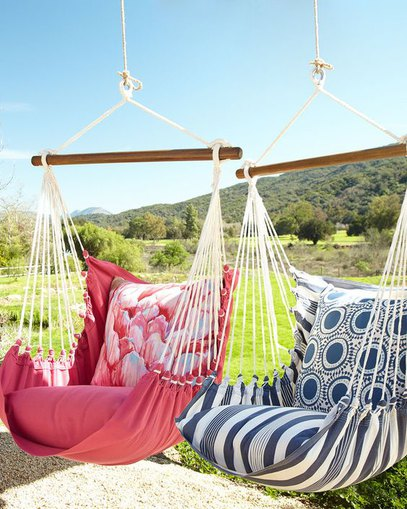 Swinging Hammock Chairs for Outdoor Oasis