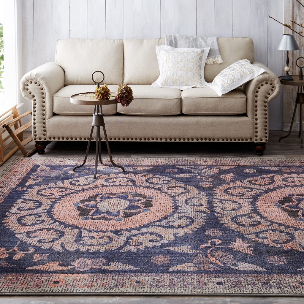 Contemporary chic area rug from Mohawk Home Studio collection by Patina Vie.
