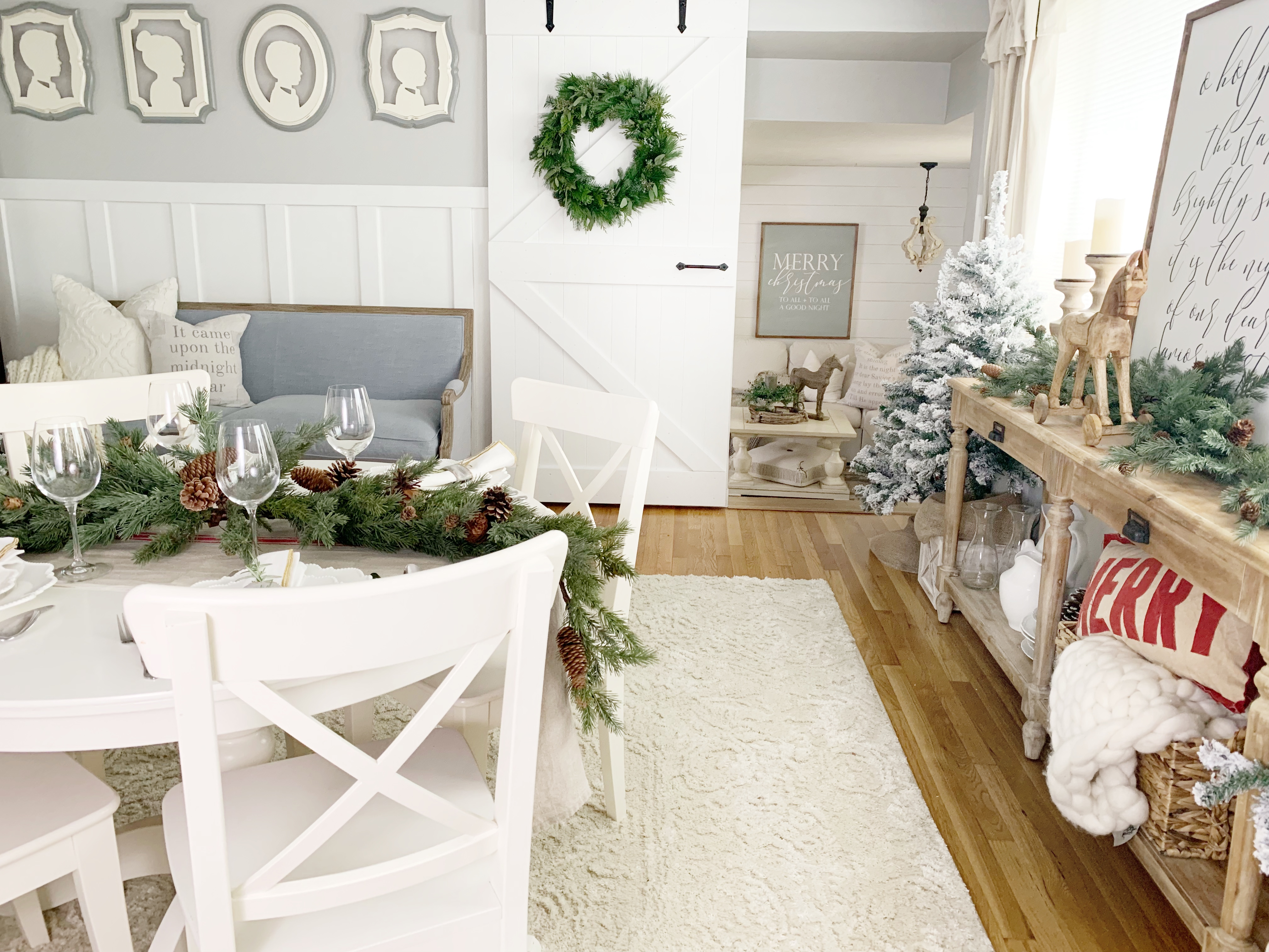 Mastering Farmhouse Style Is All About Creating A Space That Looks Lived In  And Well Loved. In A Season So Often Overdone, Sarahu0027s Holiday Dining Room  Decor ...