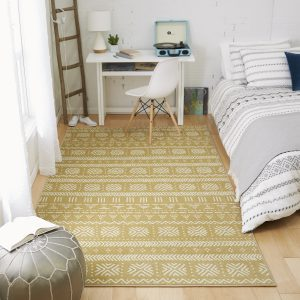Bold print area rugs for classic decor that's great for dorm rooms