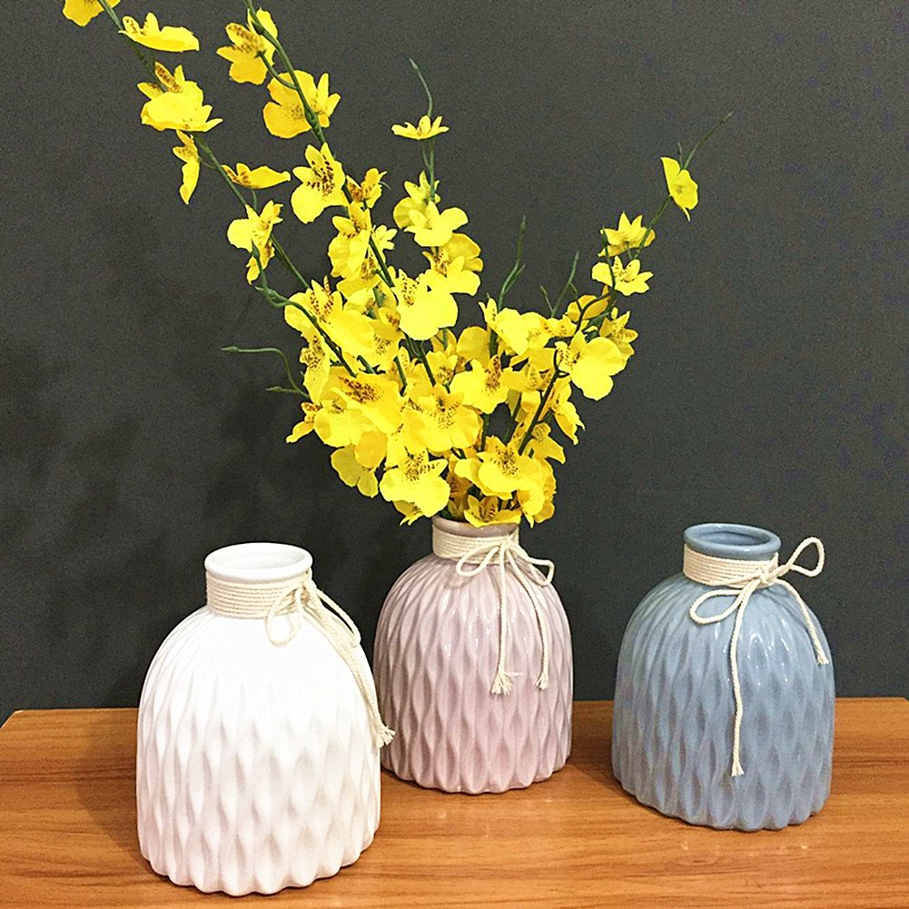 Shabby chic vases in white, pink and blue from Amazon