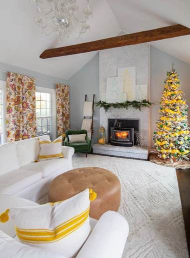 Mohawk Home Vado area rug in Ivory in Heathered Nest's holiday home